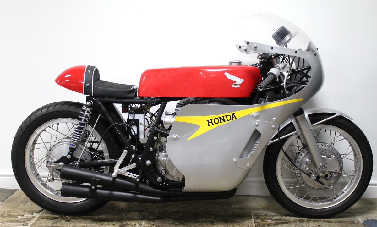 1967 Honda RC181 Classic Evocation Beautifully carried out  For Sale (picture 1 of 6)