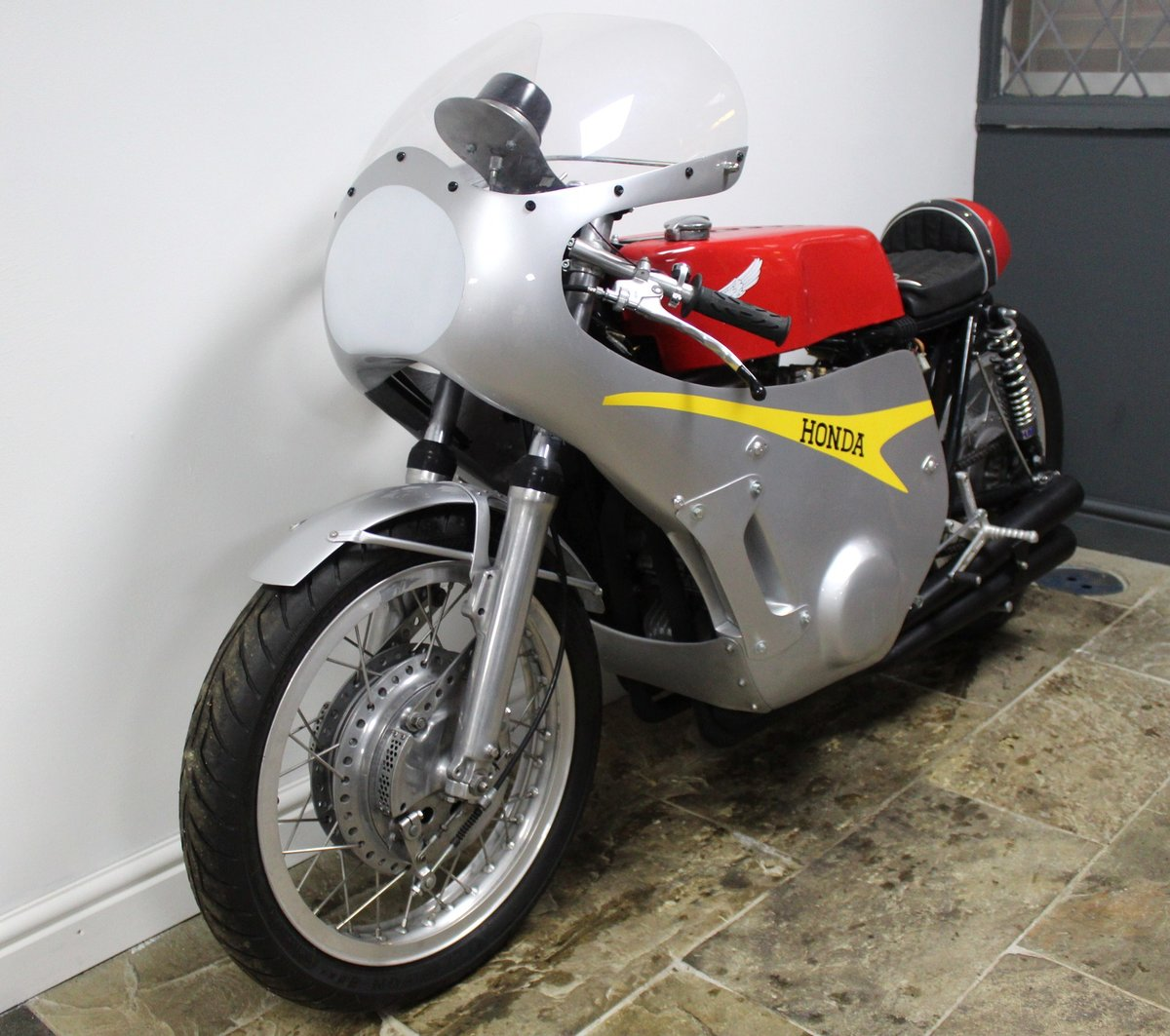 1967 Honda RC181 Classic Evocation Beautifully carried out  For Sale (picture 6 of 6)