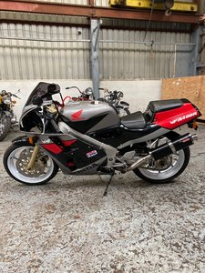 Lot 45 - A 1989 Honda VFR400 - 09/2/2020 For Sale by Auction