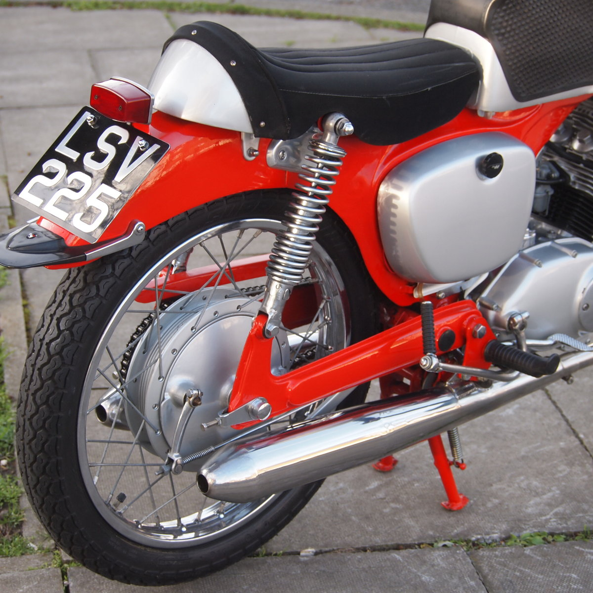 1961 Probably The Best Honda CB92. SOLD TO CAROLE. SOLD (picture 2 of 6)