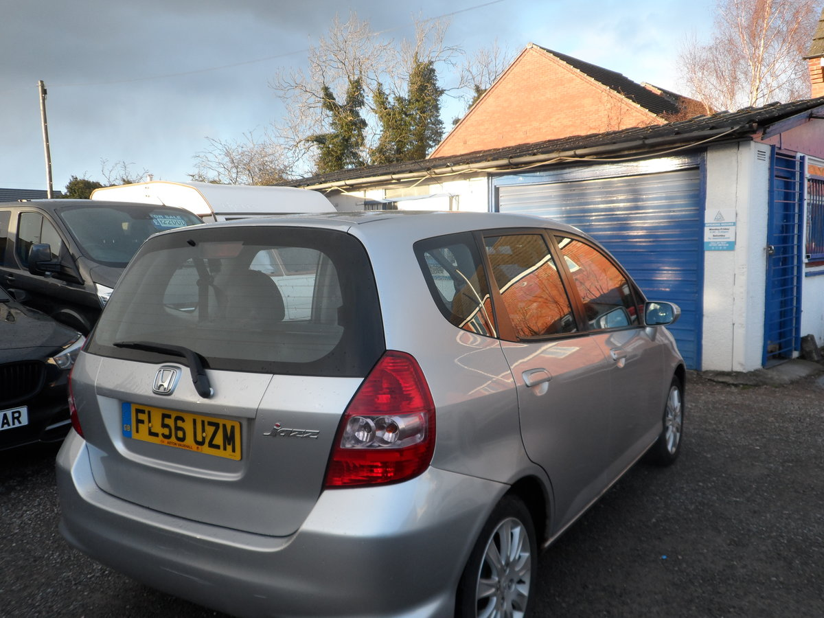 2007 JAZZ MODEL  1400cc PETROL 5 SPEED MANUAL SLIVER 5 DOOR For Sale (picture 3 of 6)