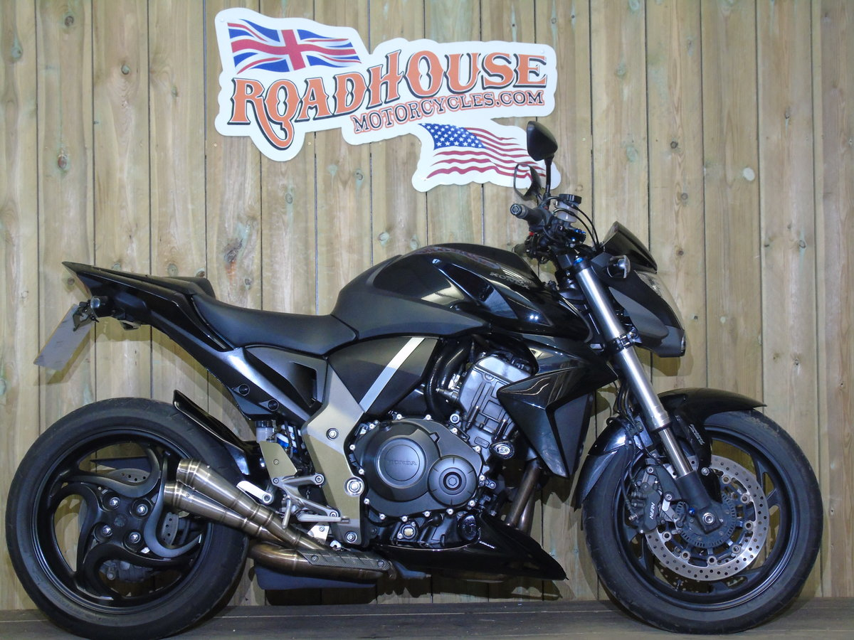 Honda CB 1000R 2012 Service History, £££'s Of Extras For Sale (picture 1 of 6)
