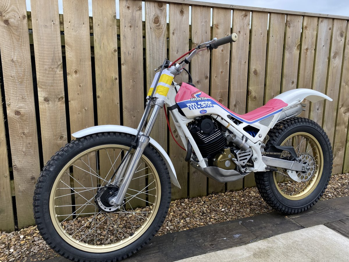 1988 HONDA RTL 250 TRIALS VERY RARE BIKE BEST EVER! £5995 OFFERS  For Sale (picture 4 of 5)