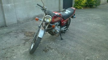 Honda cb400n unfinished project with lots of new p