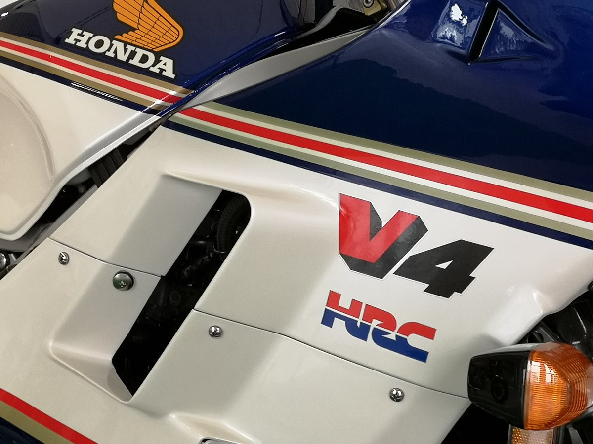 1986 Honda VF 1000 R Rothmans, restaurated, Museum Bike For Sale (picture 4 of 6)