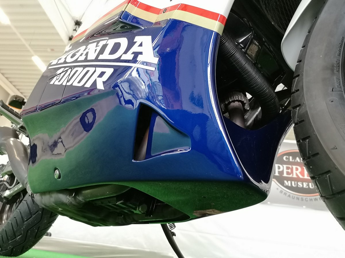 1986 Honda VF 1000 R Rothmans, restaurated, Museum Bike For Sale (picture 5 of 6)