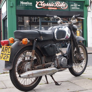 1967 Honda C200 Original Running UK Bike Oily Rag Barn Find.