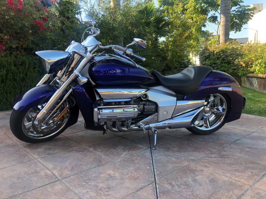 2004 HONDA RUNE VALKYRIE 1000 miles For Sale (picture 1 of 6)