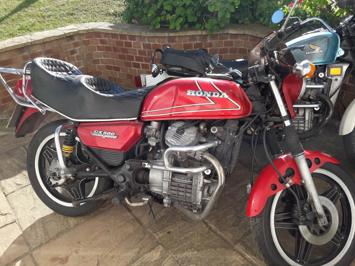 1982 2 x honda cx500 custom and spairs For Sale (picture 1 of 6)