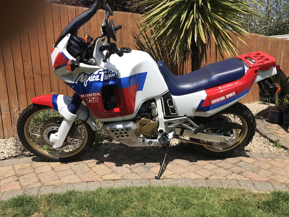 1990 Honda RD04L XRV750 Africa Twin SOLD (picture 1 of 6)