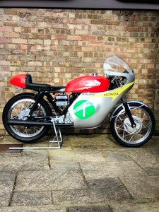 Honda CB250RS Mike Hailwood Race Replica