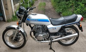 Honda CB400N Super Dream. 20800 miles. Superb.
