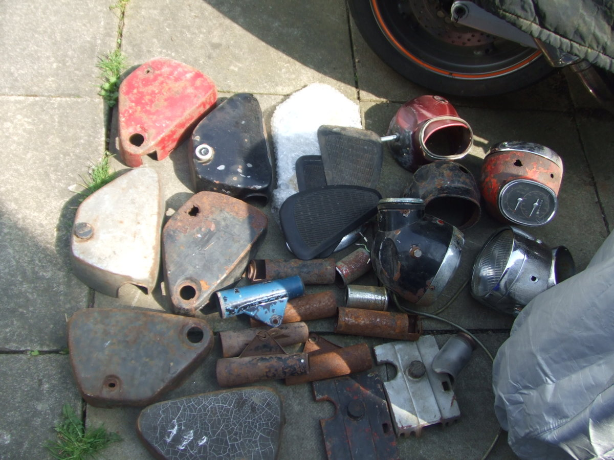 1964 Job-lot Honda CB72 parts, enough to build 2+ bikes For Sale (picture 6 of 6)