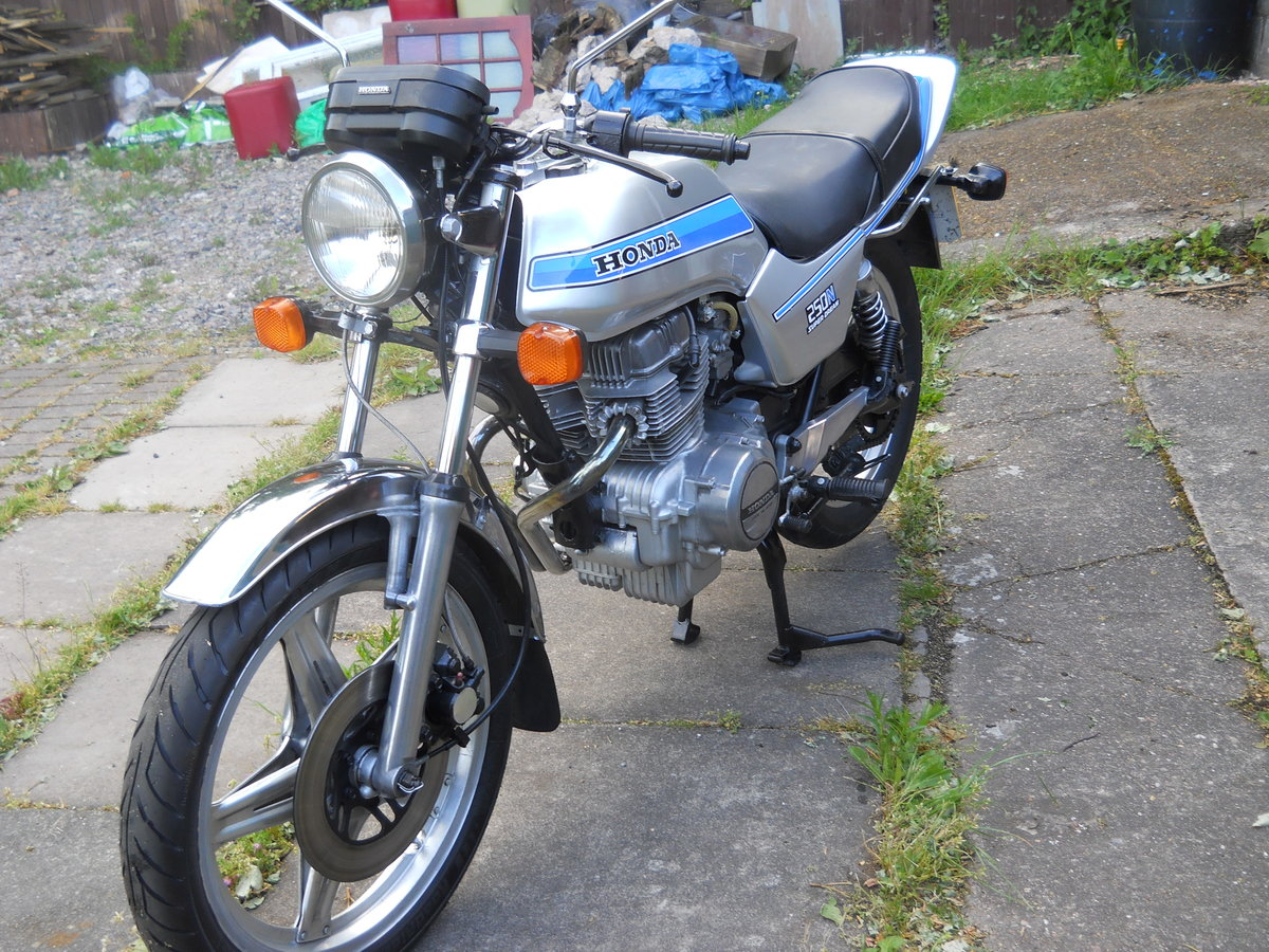 1980 Honda CB250N SOLD (picture 2 of 6)
