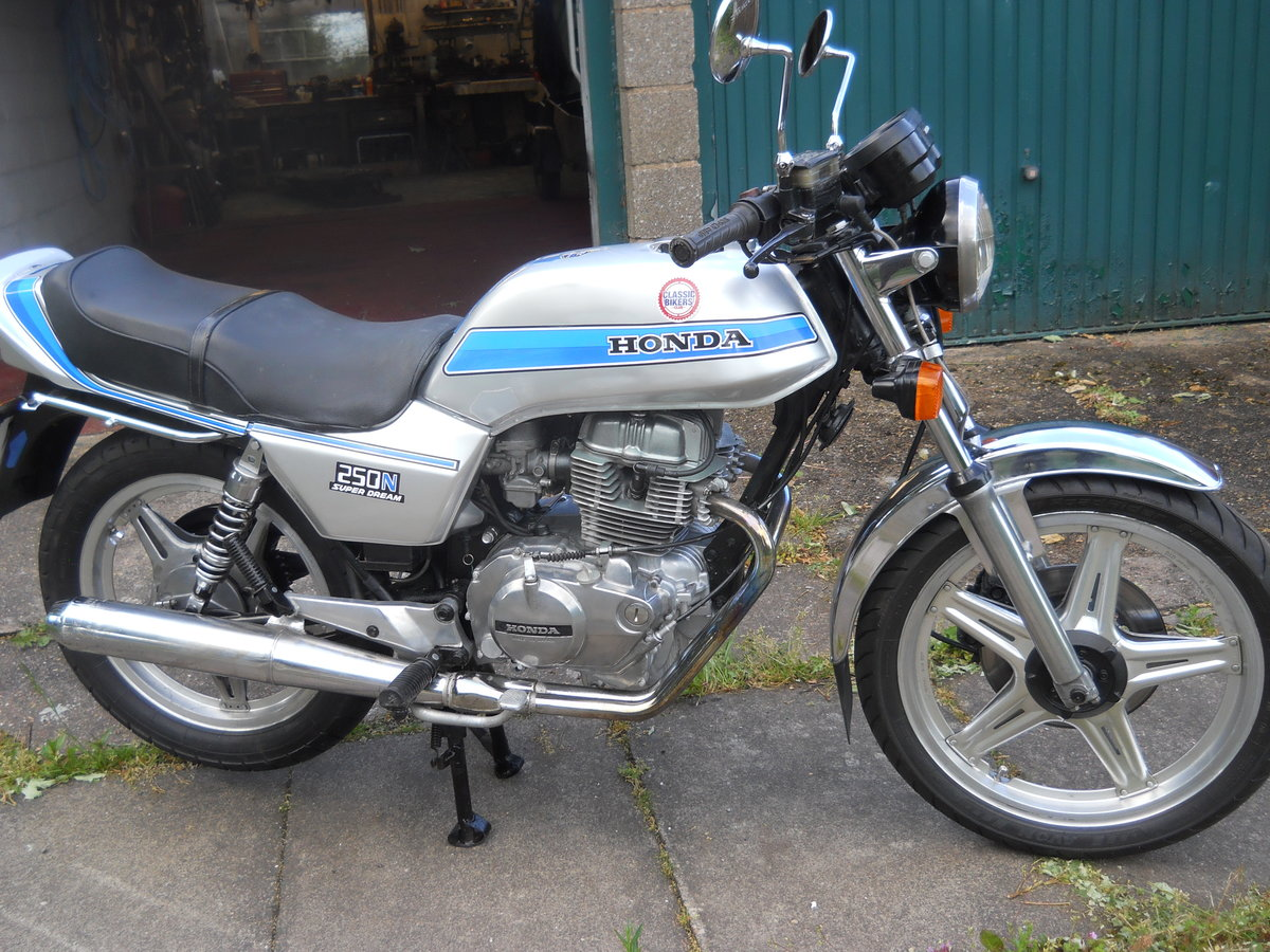 1980 Honda CB250N SOLD (picture 3 of 6)
