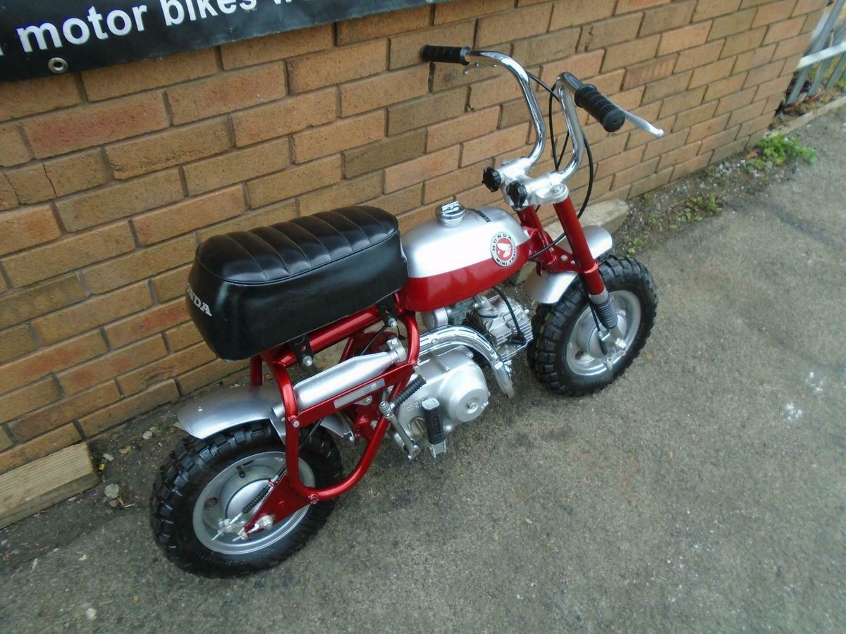 1969 HONDA Z50A K0 MINI TRAIL CANDY RED FULLY RESTORED SOLD (picture 3 of 6)