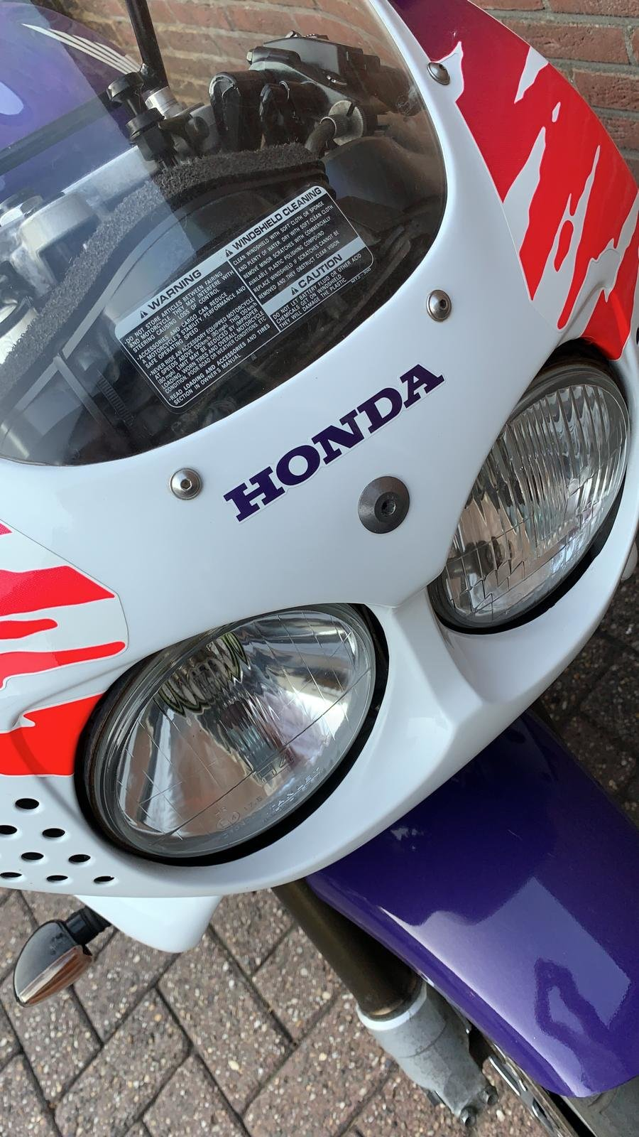 Honda Fireblade firste series 1993 For Sale (picture 2 of 6)