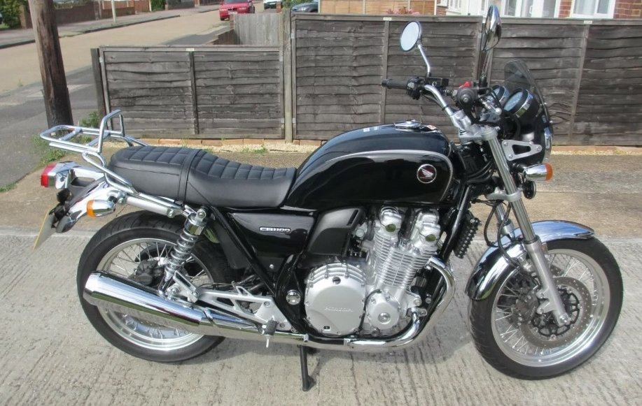 Honda CB1100 2016, Many extras For Sale (picture 1 of 6)