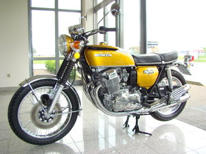 HONDA CB750 FOUR K6 1977 VIDEO !