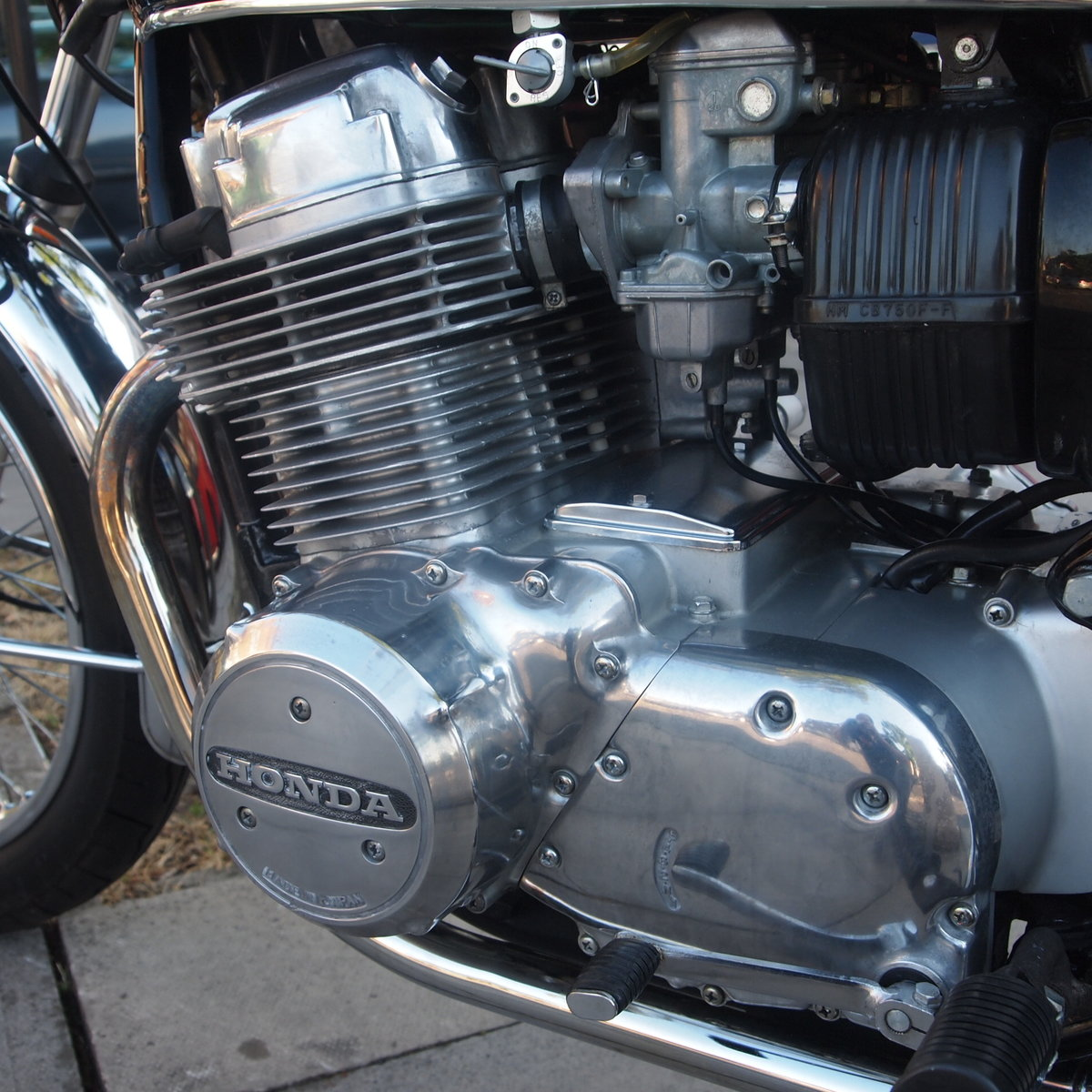 1978 Honda CB750 K8 5703 Miles, RESERVED FOR LOUIS & ANTOINETTE. SOLD (picture 3 of 6)