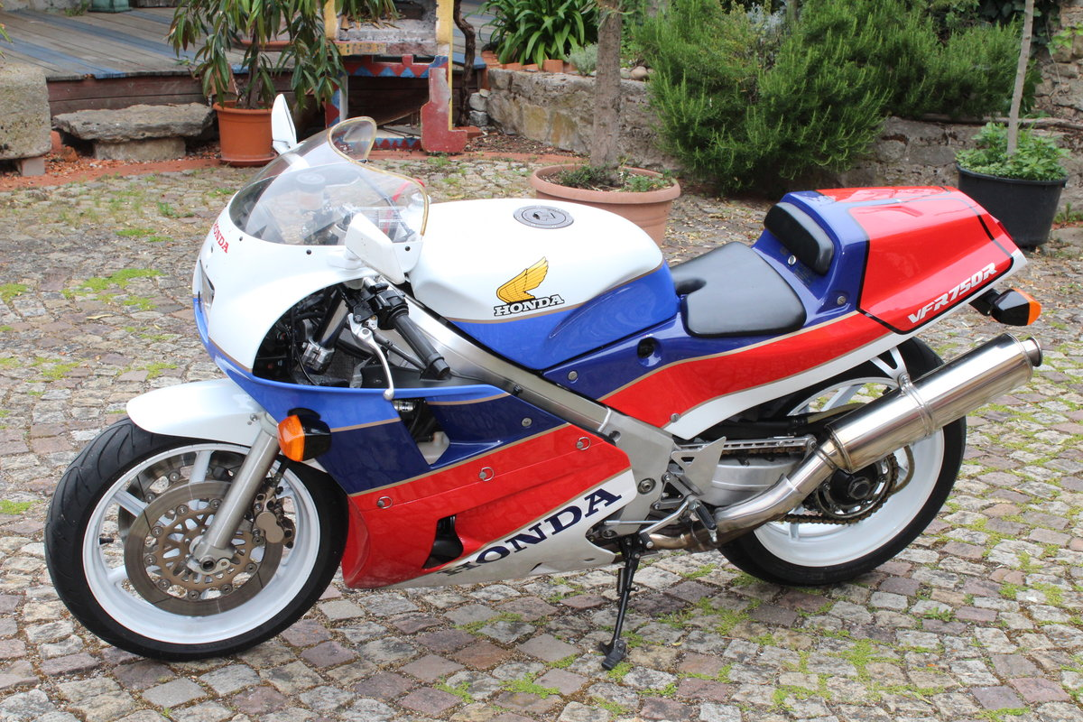 1988 Honda VFR 750 R  RC 30 For Sale (picture 2 of 6)