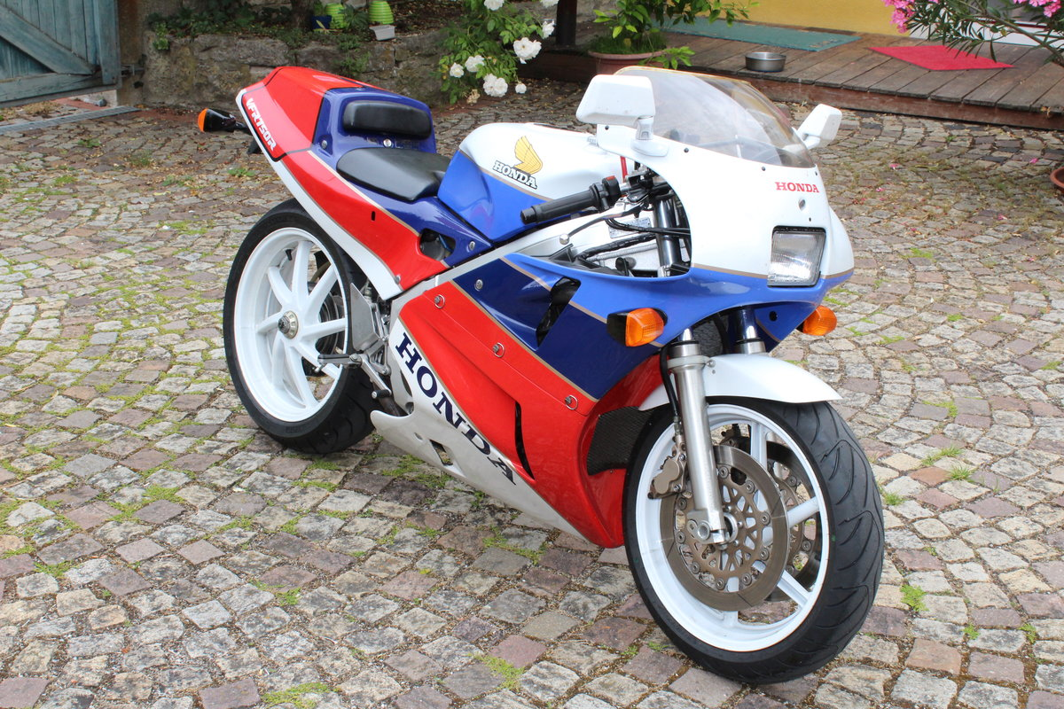 1988 Honda VFR 750 R  RC 30 For Sale (picture 3 of 6)