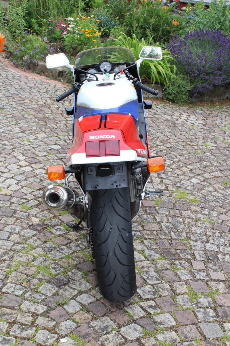 1988 Honda VFR 750 R  RC 30 For Sale (picture 5 of 6)