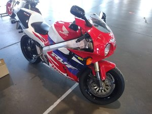 1997 1999 Honda RVF 750 RC45 for auction 16th-17th July SOLD by Auction