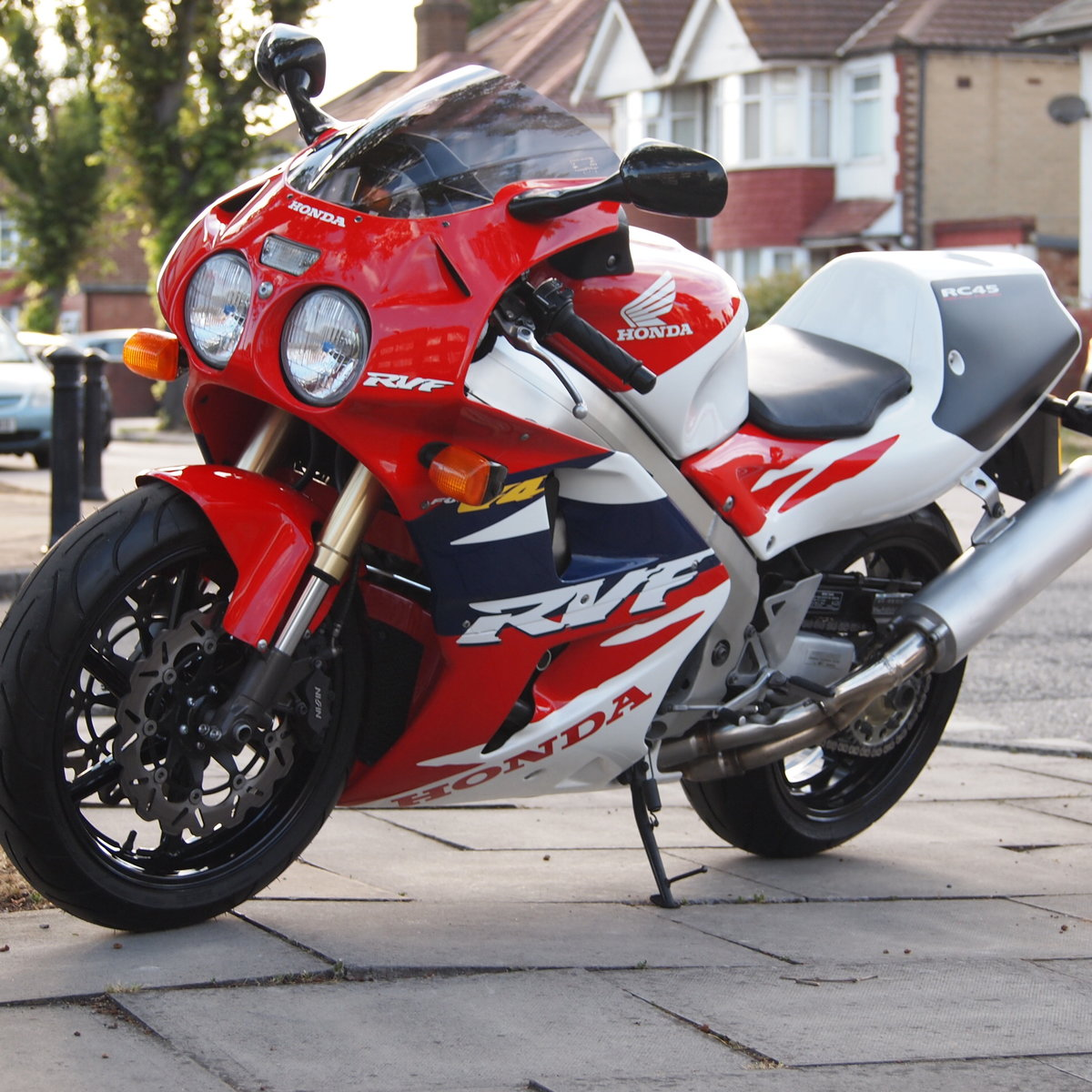 1996 Honda RC45 RVF750 R.  RESERVED FOR DECLAN. SOLD (picture 2 of 6)