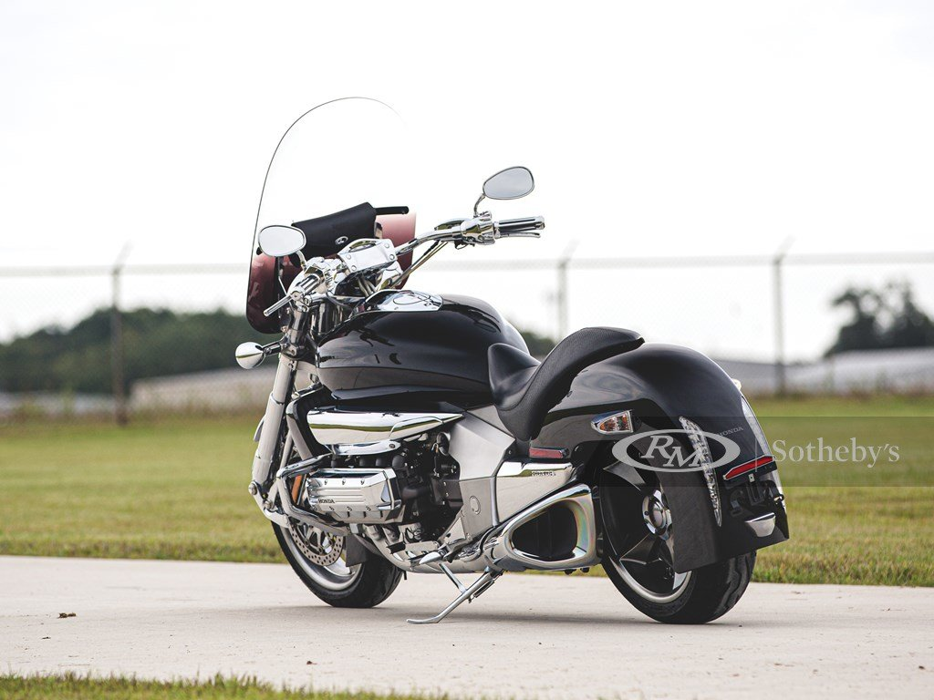 2004 Honda Valkyrie Rune  For Sale by Auction (picture 2 of 6)