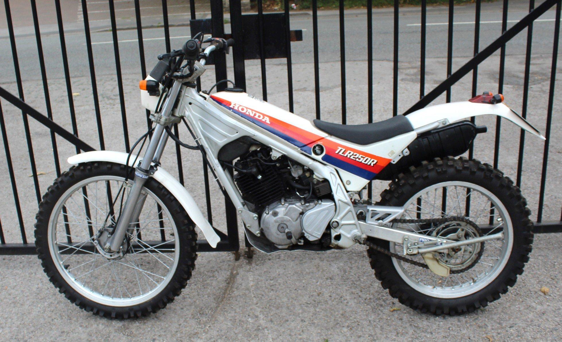 1986 Honda TLR 250 cc Trials Bike Road Registered SOLD (picture 4 of 6)