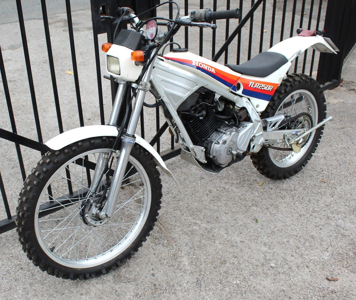 1986 Honda TLR 250 cc Trials Bike Road Registered SOLD (picture 6 of 6)