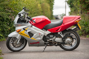 VFR800 Fi 50th Anniversary Limited Edition