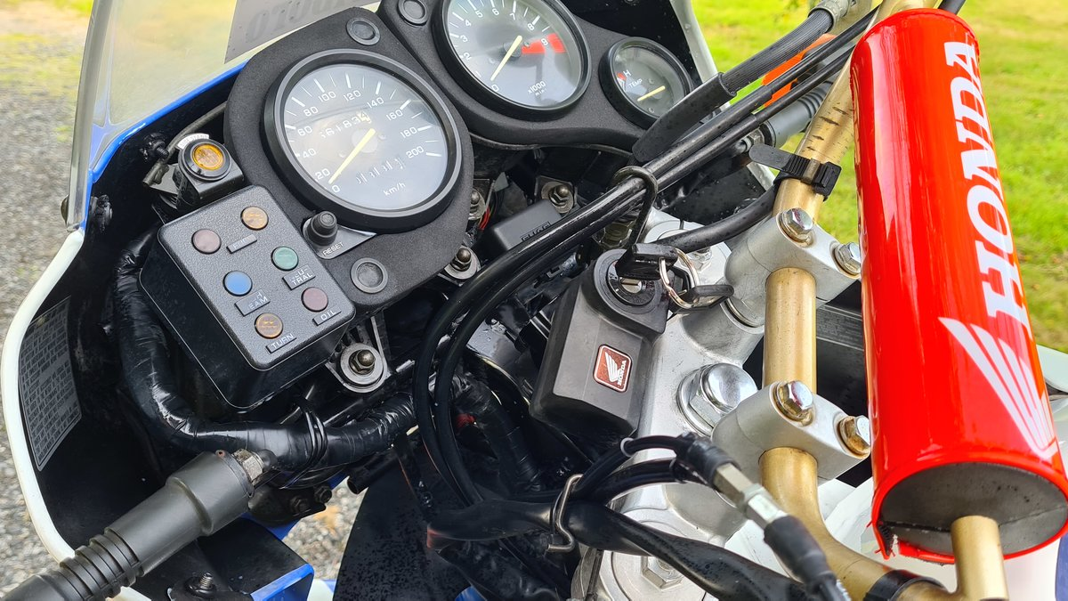 1988 Honda XRV650-J RD03 For Sale (picture 6 of 20)