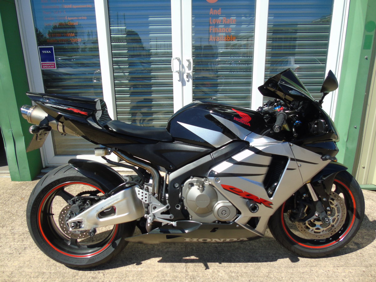 2005 Honda CBR 600RR CBR600 RR Nice Extras, New Mot For Sale (picture 1 of 6)