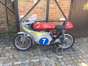 Honda 350 K4 race motorcycle