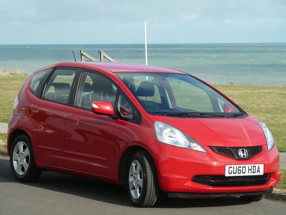 2010 JAZZ 1.4i  VTEC AUTOMATIC ES AIR CON ONE LOCAL OWNER FSH For Sale (picture 2 of 6)
