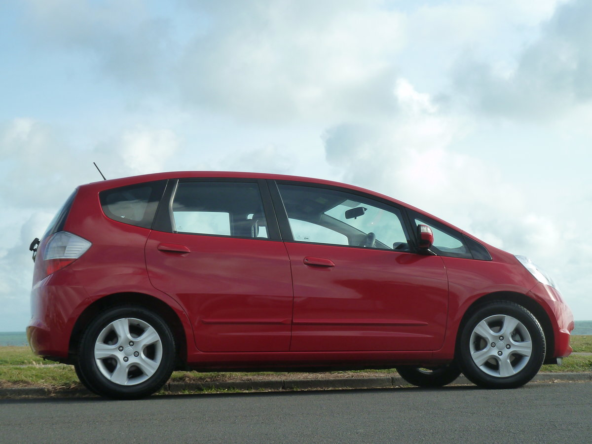 2010 JAZZ 1.4i  VTEC AUTOMATIC ES AIR CON ONE LOCAL OWNER FSH For Sale (picture 3 of 6)