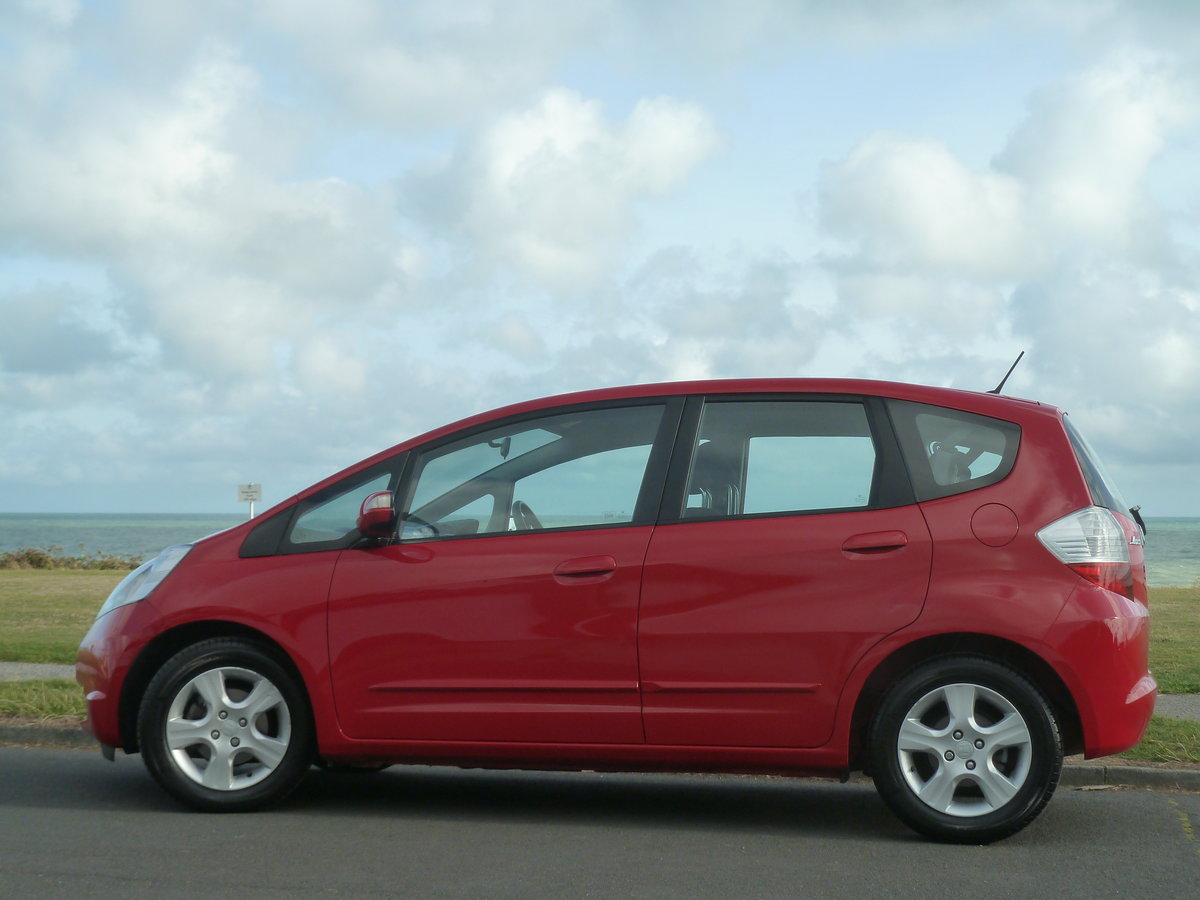 2010 JAZZ 1.4i  VTEC AUTOMATIC ES AIR CON ONE LOCAL OWNER FSH For Sale (picture 4 of 6)