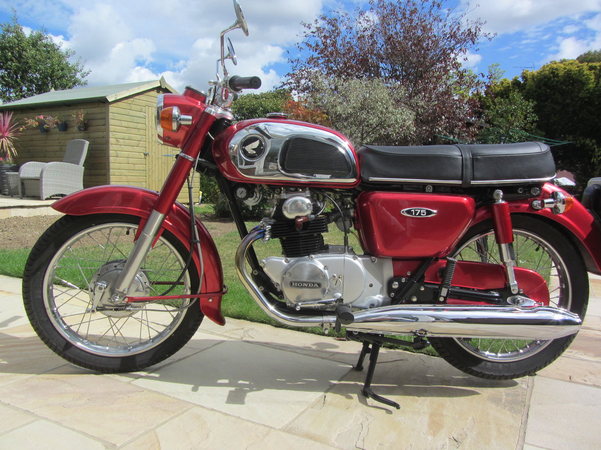 1972 Honda CD175, immaculate SOLD (picture 1 of 6)