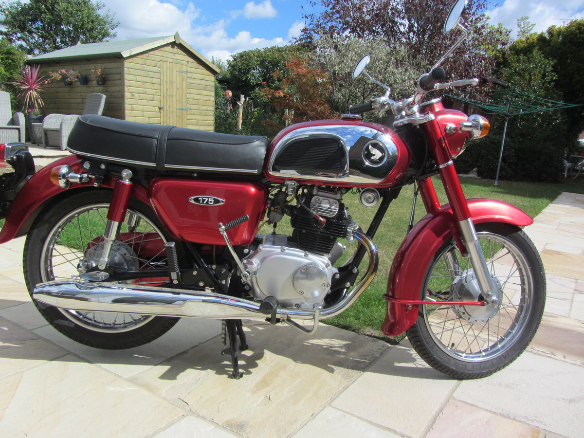 1972 Honda CD175, immaculate SOLD (picture 2 of 6)