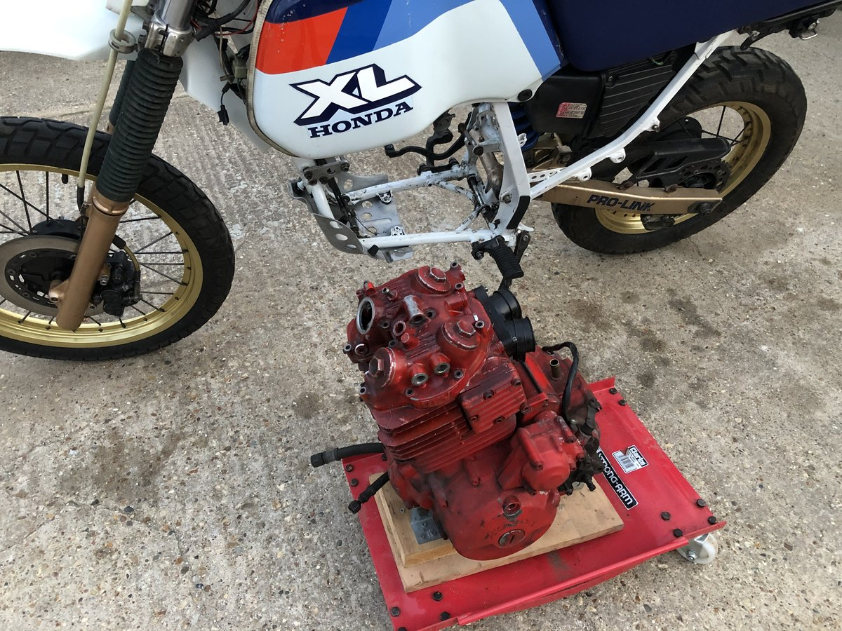 1985 Honda XL600LMF /  Red Engine Model For Restoration For Sale (picture 2 of 3)