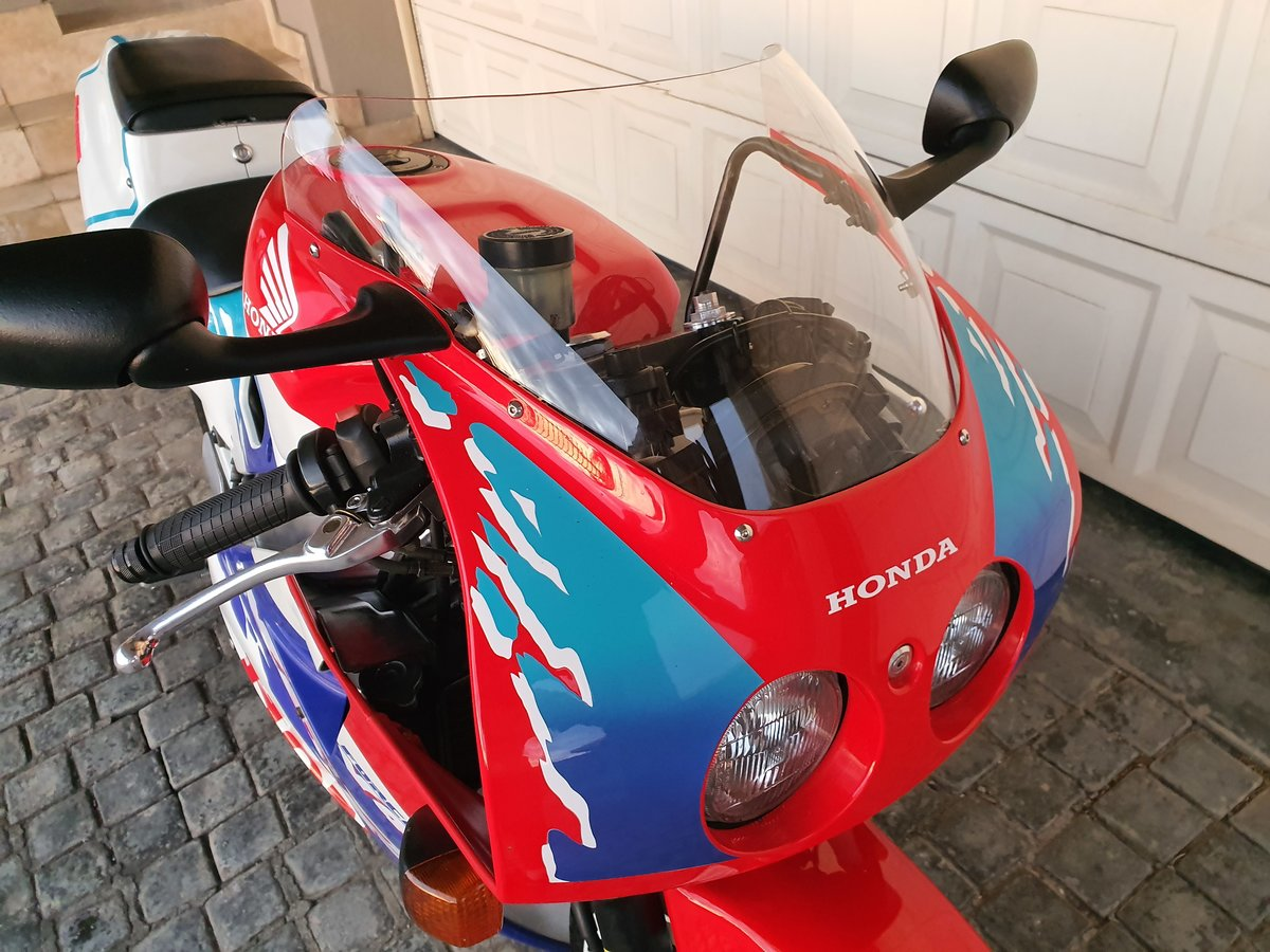 1994 Honda VFR400 NC30 For Sale (picture 5 of 6)