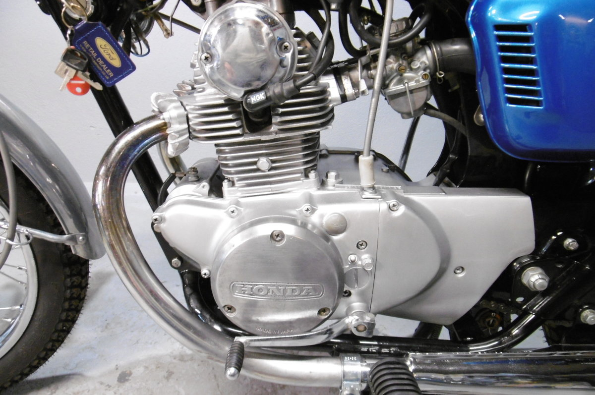 Honda CB125 1973 . Full restoration all correct For Sale (picture 2 of 6)