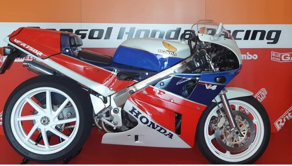 1991 Honda ver 750 r Rc30 fully Hrc components For Sale (picture 1 of 5)