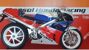 Honda ver 750 r Rc30 fully Hrc components