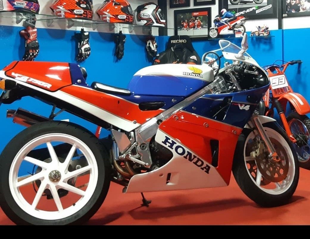 1991 Honda ver 750 r Rc30 fully Hrc components For Sale (picture 3 of 5)