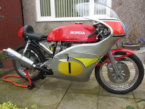 Picture of 1975 Honda 500/4 classic racer