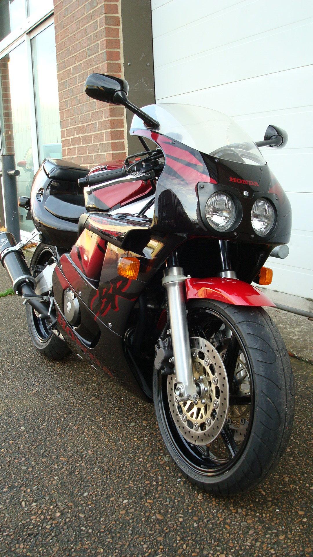 Honda CBR400 RR-R 1998-R **LOW KMS,EXCELLENT CONDITION** For Sale (picture 2 of 6)