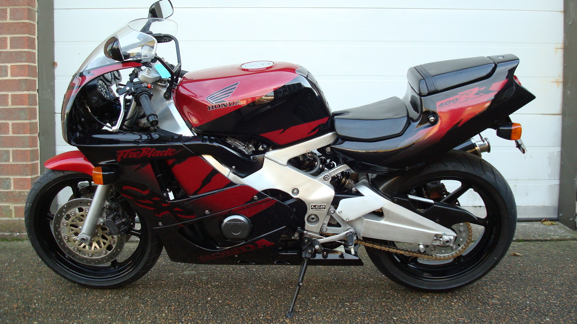 Honda CBR400 RR-R 1998-R **LOW KMS,EXCELLENT CONDITION** For Sale (picture 6 of 6)